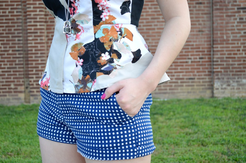 WHAT / WEAR | Mixed Prints, Mini Burgers, and Ruth's Chris Clayton