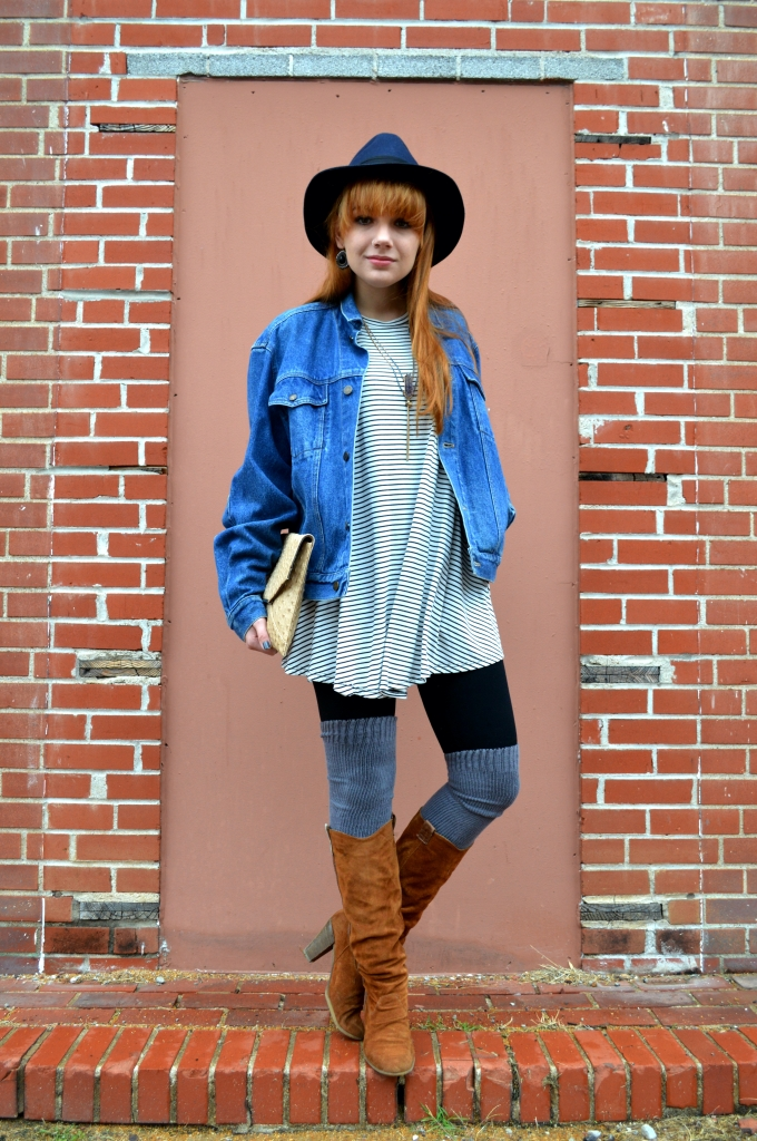 stripe pitaya tunic with fedora denim jacket stone necklace and statement earrings (3)