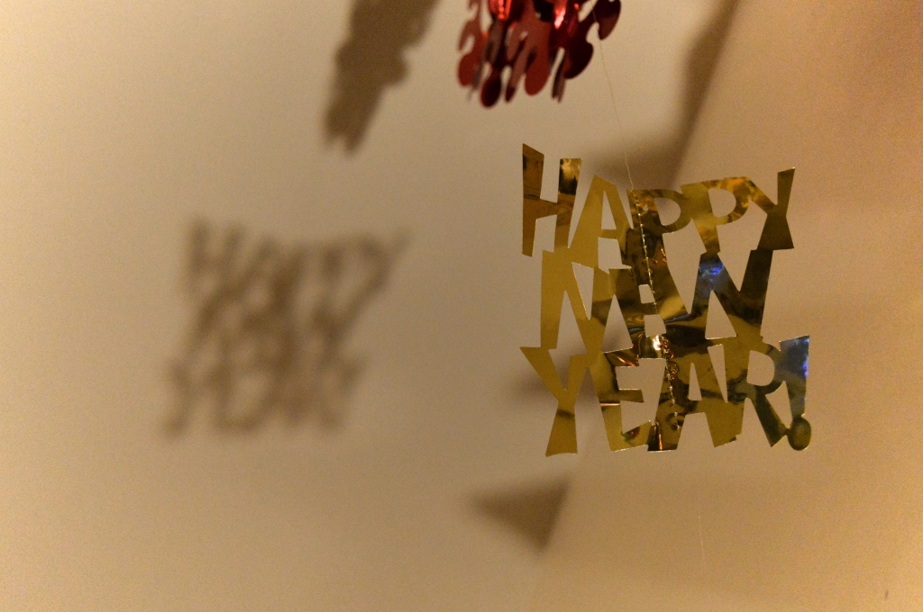 Easy Last-Minute DIY NYE Decor - New Years Eve (1)