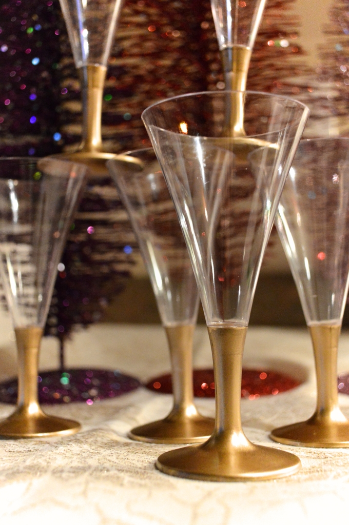 Easy Last-Minute DIY NYE Decor - New Years Eve (3)