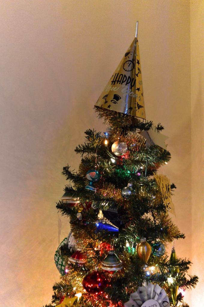 Easy Last-Minute DIY NYE Decor - New Years Eve (4)