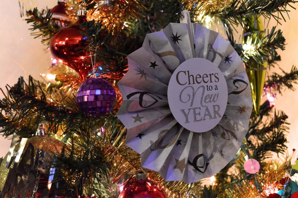 Easy Last-Minute DIY NYE Decor - New Years Eve (5)