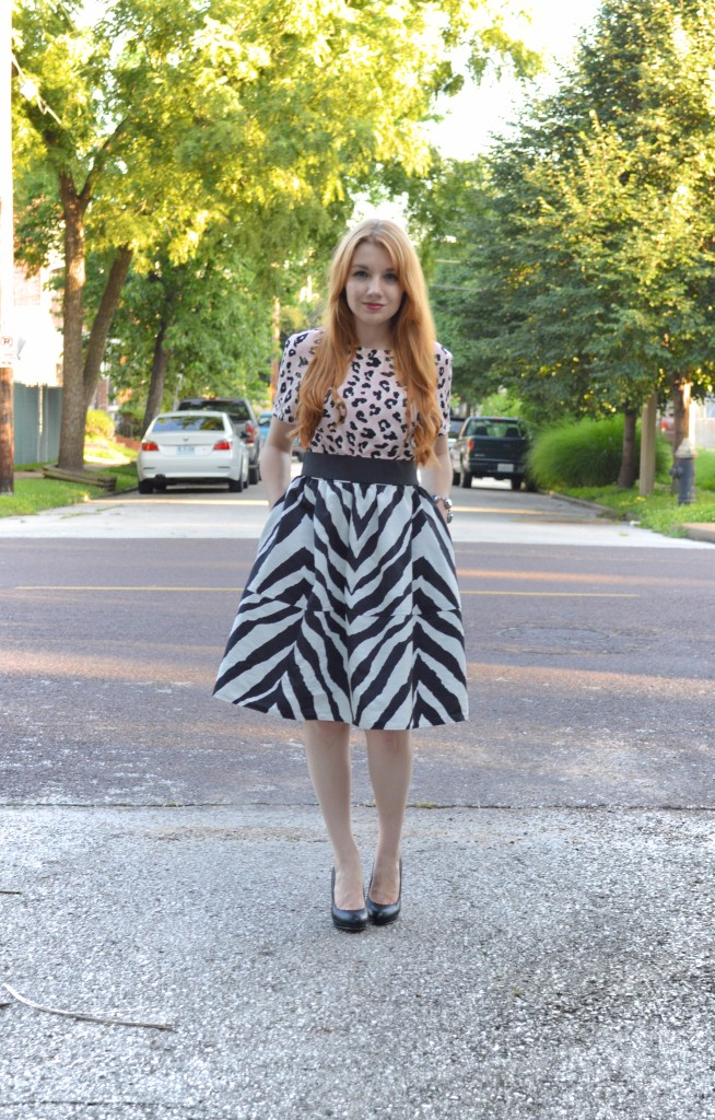OhJuliaAnn.com - Zebra Circle Midi Skirt with Leopard Top - Summer Outfit (2)