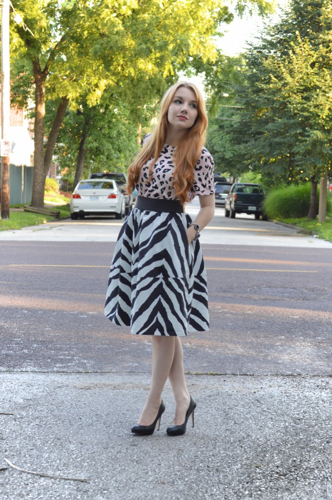 OhJuliaAnn.com - Zebra Circle Midi Skirt with Leopard Top - Summer Outfit (3)