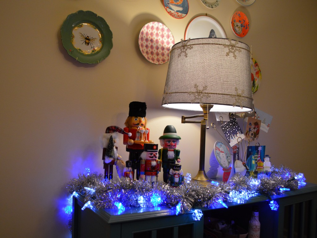 retro vinitage christmas dinner party table holiday decor - oh julia ann (2)