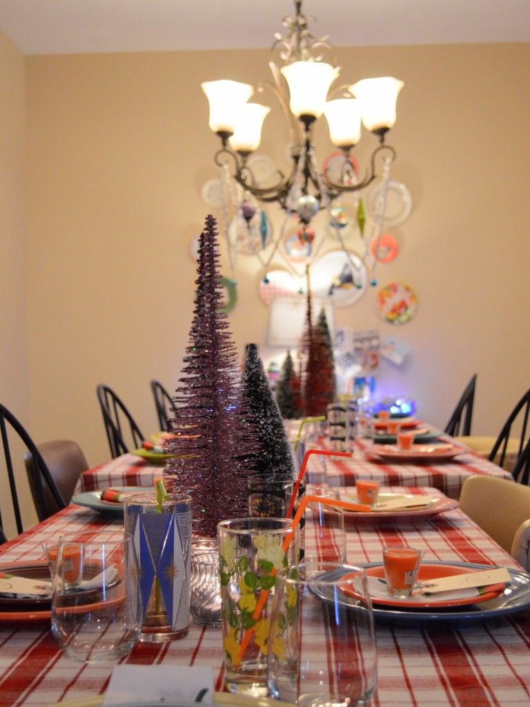 retro vinitage christmas dinner party table holiday decor - oh julia ann (3)