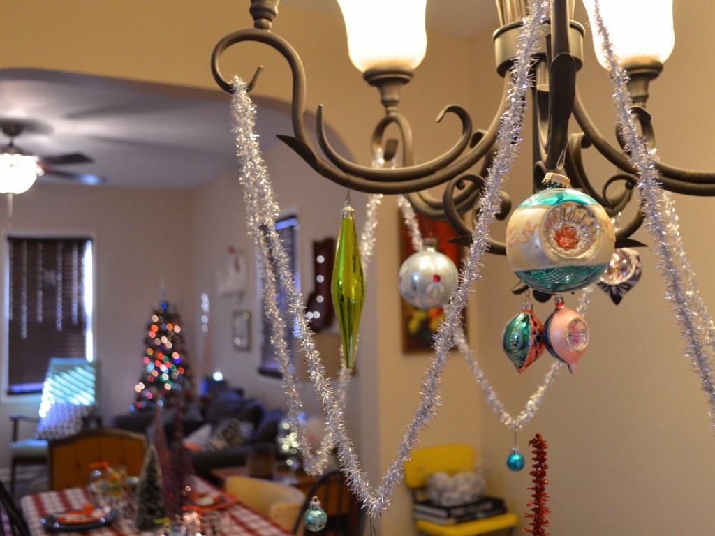 retro vinitage christmas dinner party table holiday decor - oh julia ann (4)