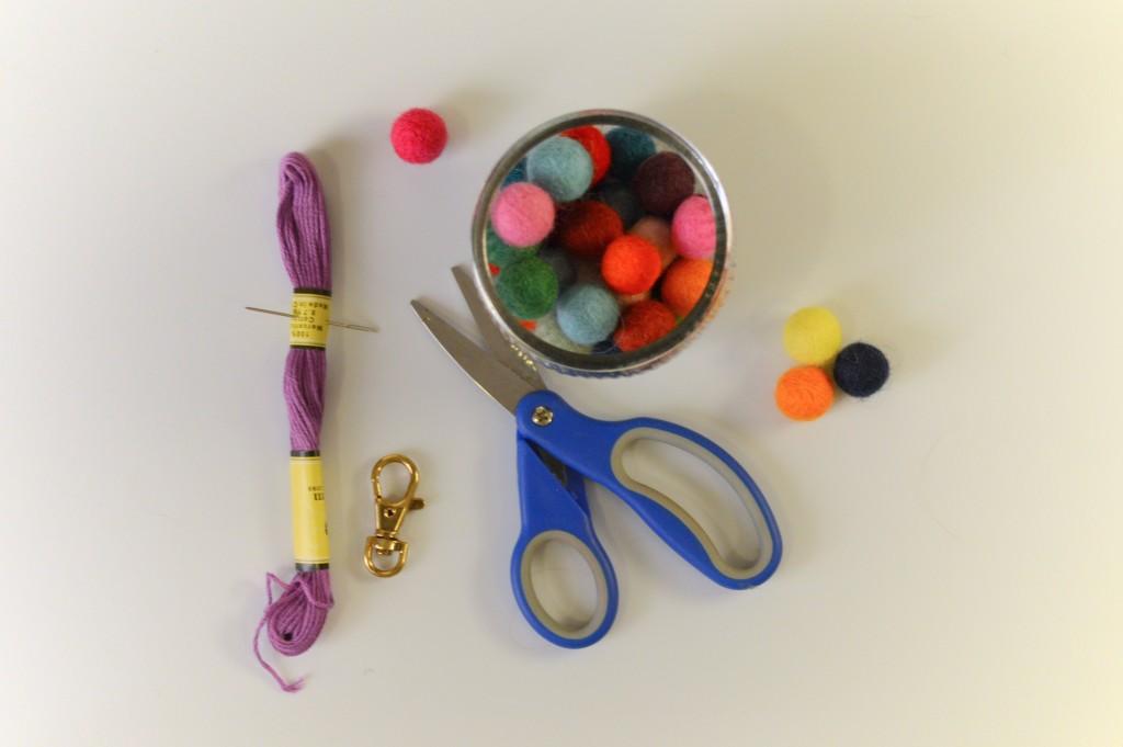 Oh Julia Ann - DIY  Felt Pom Purse Charm Craft (2)