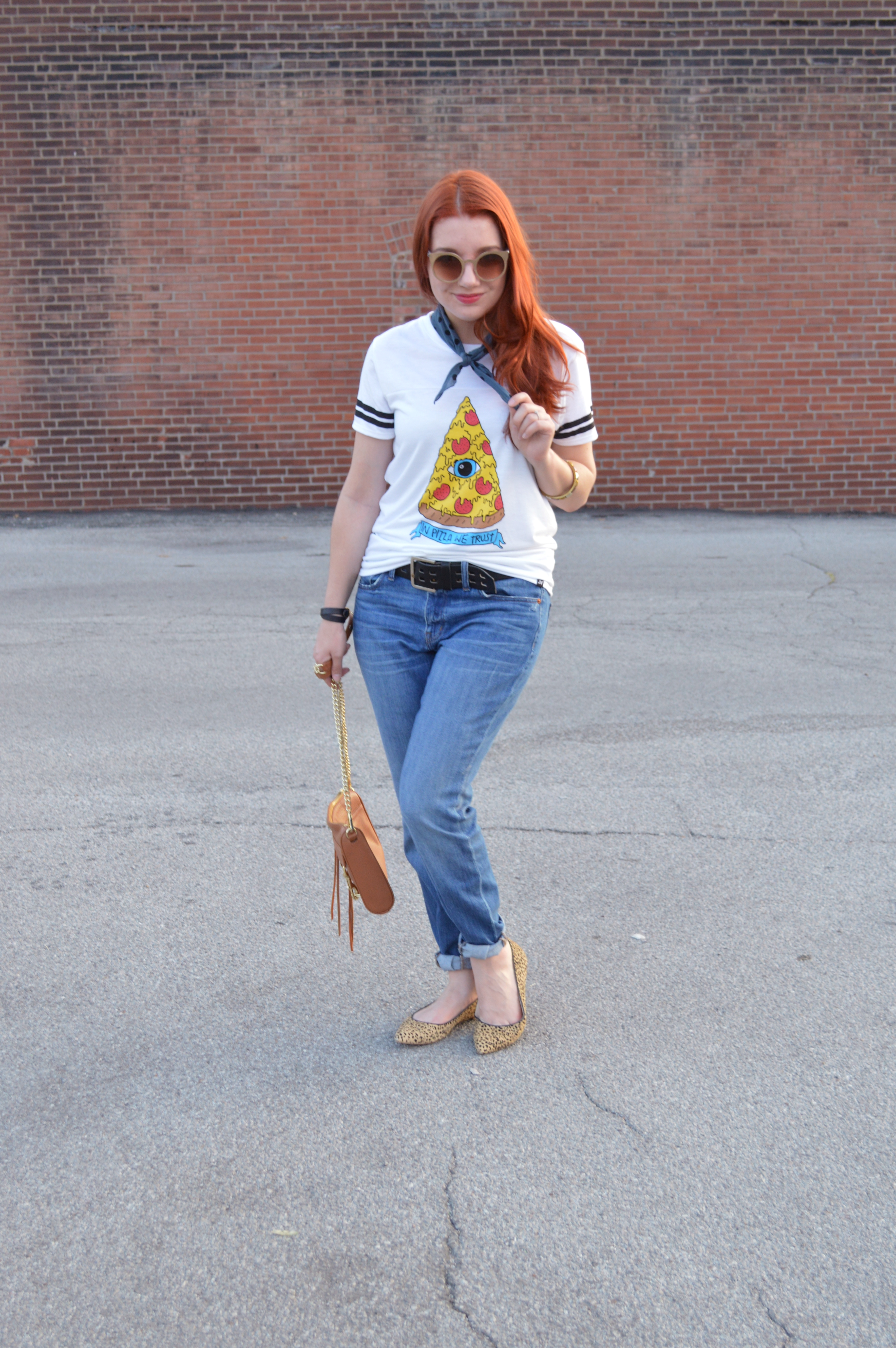 65e6b563 Two Ways to Wear a Graphic TShirt - In Pizza We Trust Outfit - Oh Julia