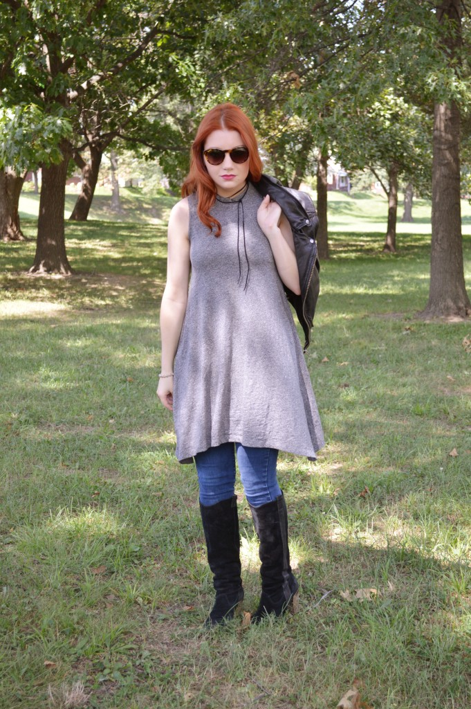 grey-dress-with-skinny-jeans-leather-moto-vest-and-boots-autumn-outfit-by-oh-julia-ann-1