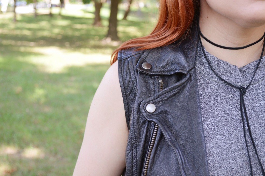 grey-dress-with-skinny-jeans-leather-moto-vest-and-boots-autumn-outfit-by-oh-julia-ann-2