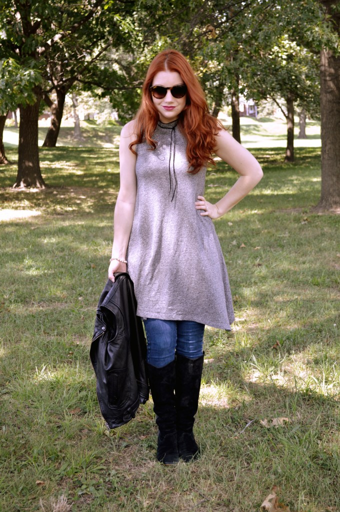 grey-dress-with-skinny-jeans-leather-moto-vest-and-boots-autumn-outfit-by-oh-julia-ann-4