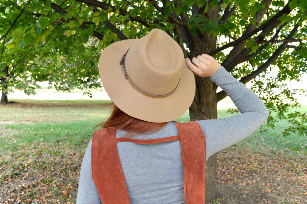 autumn-outfit-idea-brooklyn-hat-company-fedora-with-tobi-suede-dress-naturalizer-boots-and-turtleneck-outfit-by-oh-julia-ann-4