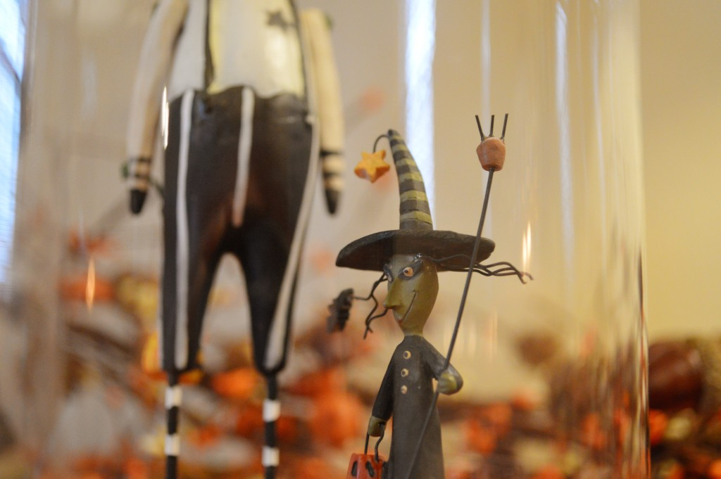 spooky-autumn-bar-decor-for-halloween-from-gordmans-discount-holiday-decorations-in-the-dining-room-oh-julia-ann-6