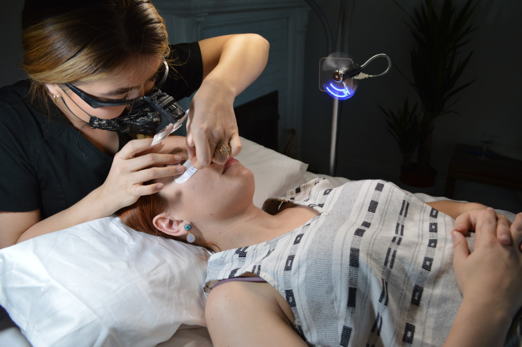 eyelash-extensions-review-and-faq-featuring-glow-studios-st-louis-oh-julia-ann-2