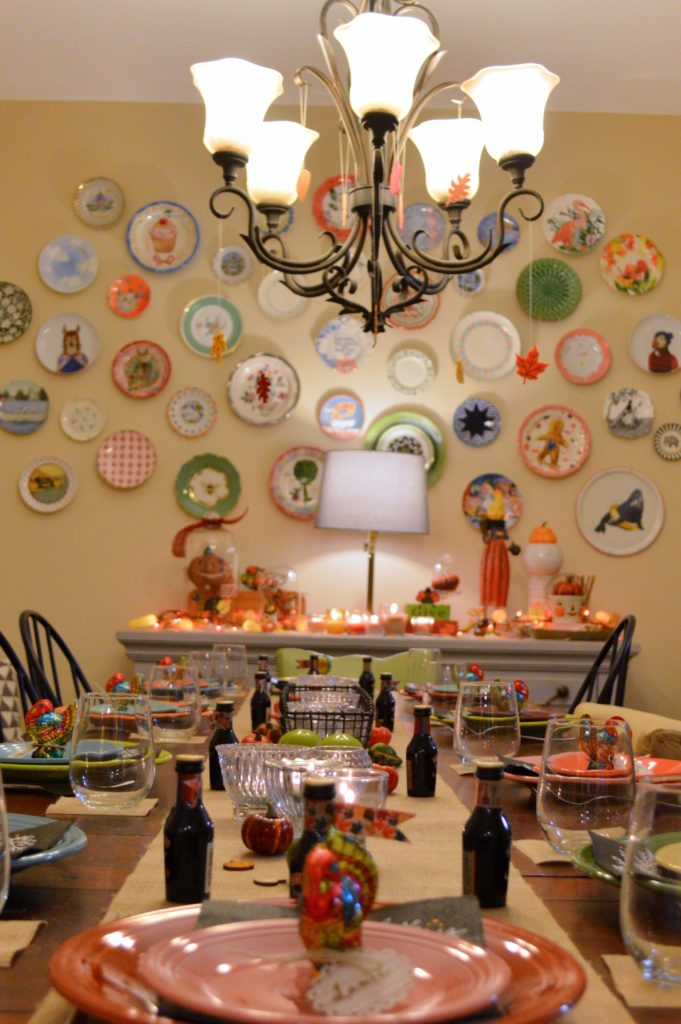thanksgiving-decor-ideas-friendsgiving-table-and-wall-decorations-from-oh-julia-ann-6