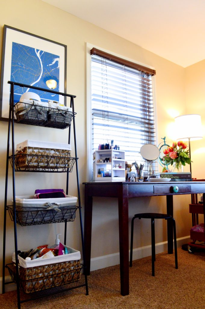 Home Tour: Getting My New Makeup Vanity Organized with