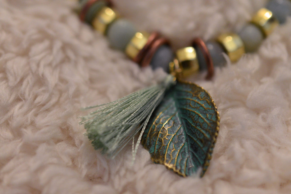 Hi, Patina | DIY Mixed-Metals Patinated Stretch Bracelet