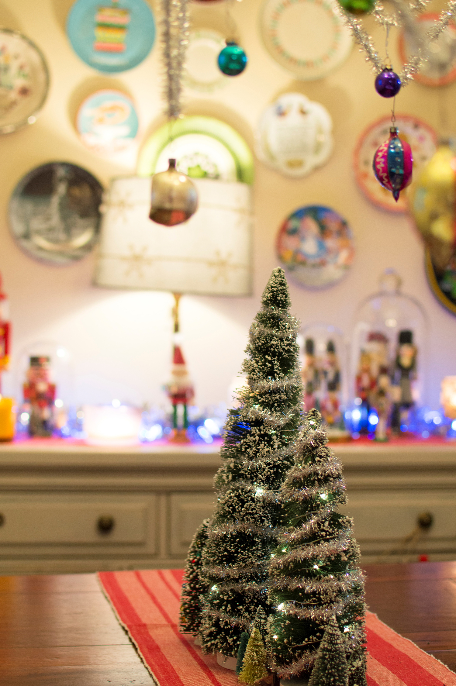 Christmas Crafting 5 Ways To Decorate Your Dining Table